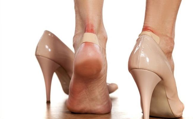 Efek Berbahaya High Heels